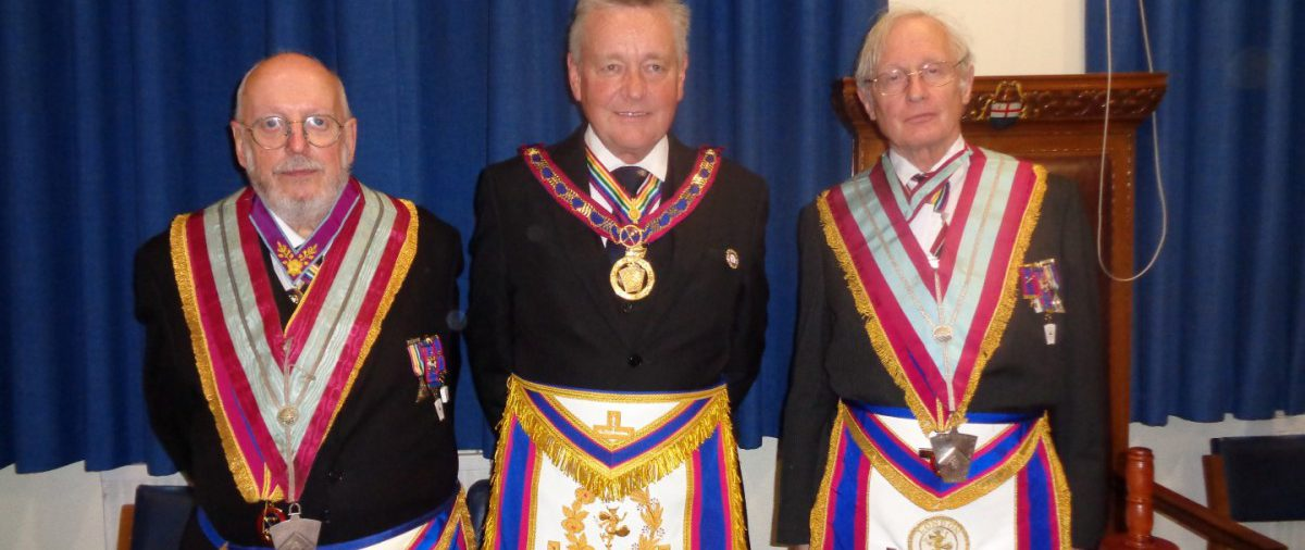 APGM Henry Hobson with a Provincial Delegation visits Public Schools Lodge
