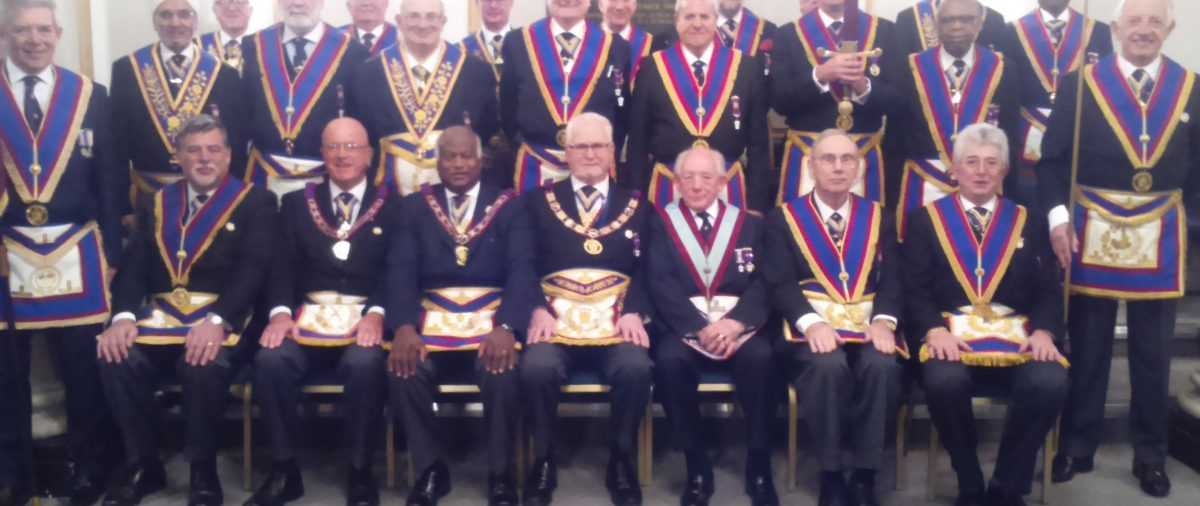 PGM R.W.Bro. David Ashbolt attends Guild of Freemen Lodge to see Bro. Lesley Harry Fox installed as Worshipful Master