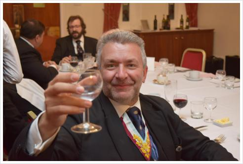 Thea Sinensis receives an unexpected but very welcome guest at the Festive Board