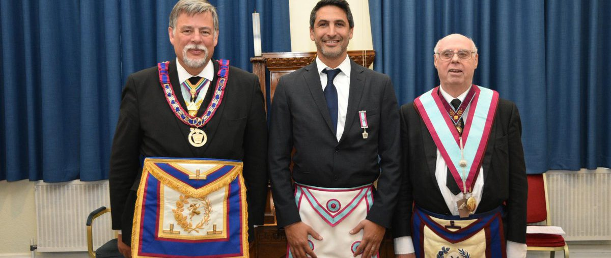 APGM W. Bro. Cliff Sturt, together with a small but perfectly formed delegation of Provincial Grand Officers, visited Roentgen Portal lodge on the 14th June.